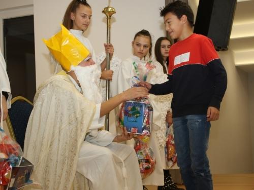 FOTO: Sv. Nikola razveselio mališane u Rumbocima