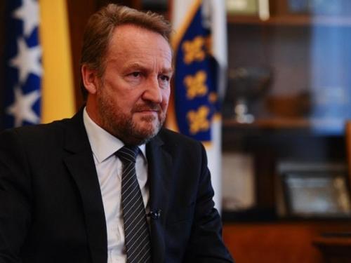 Izetbegović: Radončiću mogu oprostiti sve laži, ali ne i onu da su Bošnjaci počeli rat