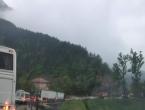 Duge kolone na putu između Mostara i Sarajeva, promet se odvija usporeno
