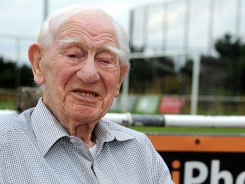 Ima 103 godine, ali utakmice voljenog kluba ne propušta
