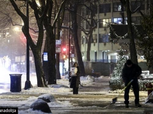 Snježne oluje u SAD-u: U Chicagu otkazano 1.400 letova