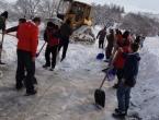 Vaše fotografije: Jaklićani i nedjeljom u akciji čišćenja snijega