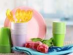 Francuska zabranjuje plastične čaše, tanjure i pribor za jelo
