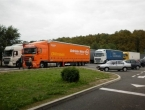 Migranti pokušali ući u Hrvatsku zakačeni za dno kamiona