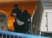 Uhićen carinik iz Ploča koji je propuštao kokain u kontejnerima banana i za svaki dobivao 40.000eura