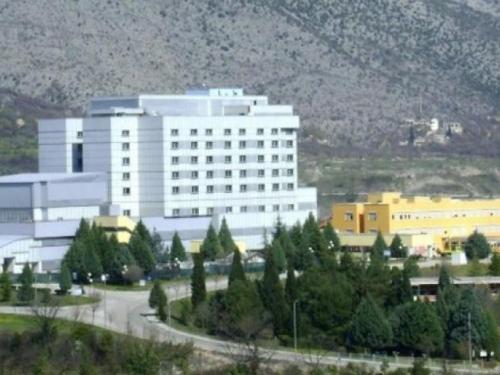 Škare u trbuhu: Mostarska bolnica zbog pogreške mora isplatiti odštetu pacijentu