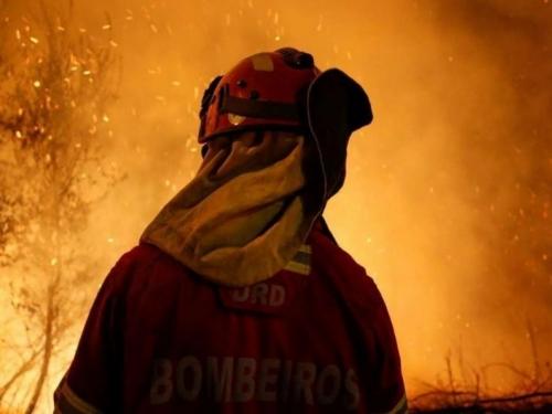 Portugal u plamenu: Tisuću vatrogasaca bori se s požarima