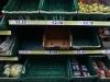Britanski supermarketi koriste slike proizvoda kako bi popunili praznine na policama