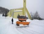 Radovi na raščišćavanju prometnica nastavljeni; pojedina sela četvrti dan u izolaciji