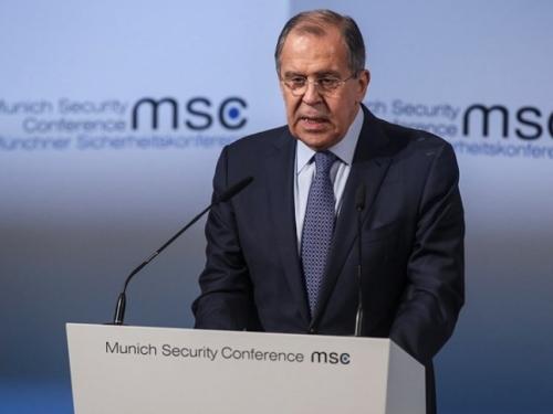 Lavrov kaže da bi Putin i Trump trebali razgovarati na summitu G20