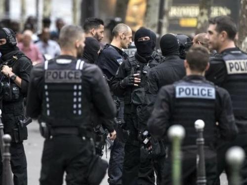 "Francuski ministar pisao policiji: ""Budite oprezni, ISIS bi se mogao osvetiti"""