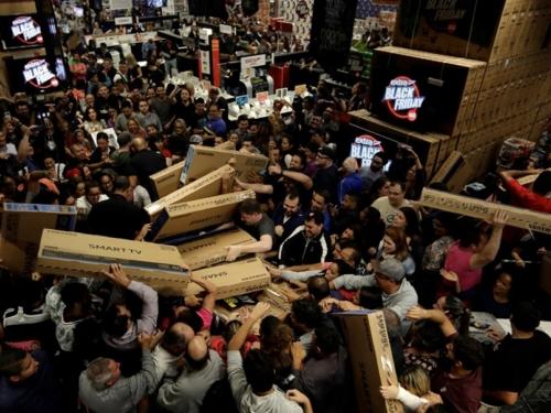 Tajna Crnog petka: Evo kako nas trgovci pokušavaju navesti da kupujemo