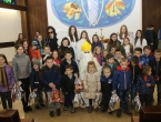 FOTO: Sv. Nikola podijelio paketiće djeci u Rumbocima