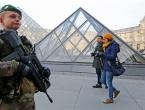 Cazaneuve: Napad na vojnike ispred muzeja Louvre je 'terorističkog karaktera'