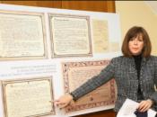 Otkriven sadržaj vremenske kapsule koja je pronađena u križu na zvoniku crkve u Karlovcu