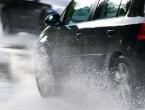 Vozačima se savjetuje oprez zbog mokre i skliske ceste