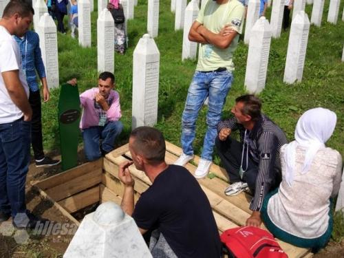Ukopano 35 žrtava u Srebrenici