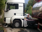 Mostar-Jablanica: Kamion izletio s ceste, stvorene gužve u prometu