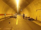 Četvero ozlijeđenih u teškoj prometnoj nesreći u tunelu kod Sarajeva